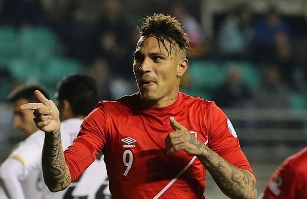 Jornal diz que Guerrero se transforma na seleção do Peru   nunca fica fora. b229ef42c3304