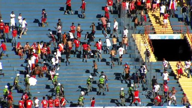 977b1d966d Cansados de perder torcedores e dinheiro por causa da violência  protagonizada por organizadas nos estádios