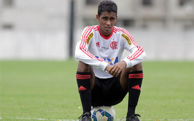 Gabriel não treina mais uma vez e vira dúvida contra o Santos