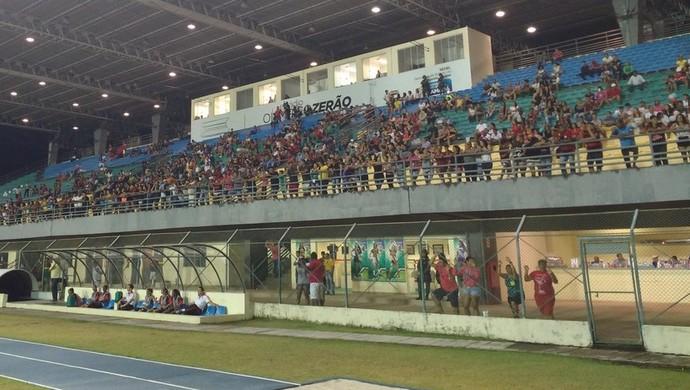 Torcida rubro-negra compareceu em grande número no estádio Zerão (Foto: Abinoan Santiago/GE-AP)
