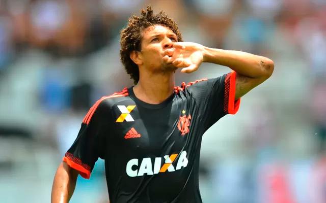 Arão Pode Completar 100 Jogos Pelo Flamengo Caso Enfrente
