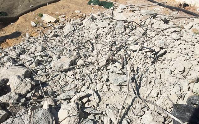 Estruturas de sustentação dos refletores foram destruídas (Foto: Thiago Lima)