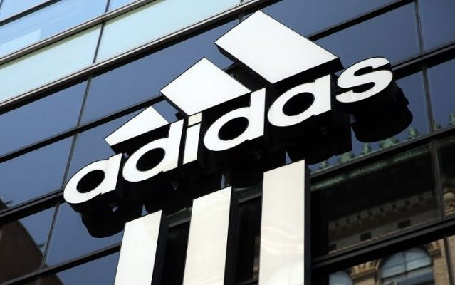 5a2a2bb9f20 Adidas mantém contrato com Fla e freia renovação com Palmeiras - Coluna do  Fla - Notícias
