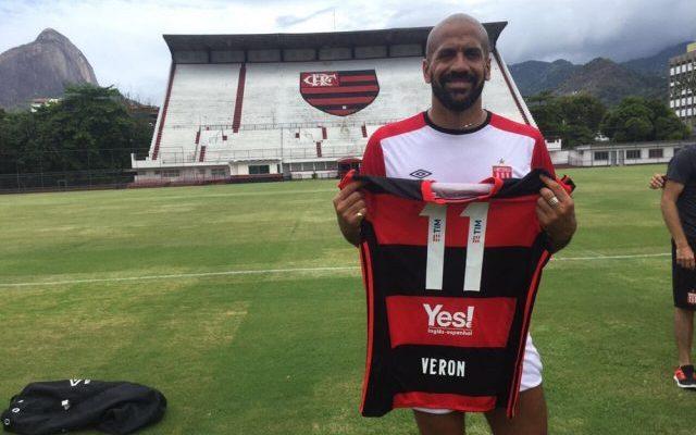 Com Verón, Estudiantes treina na Gávea antes de encarar o Botafogo