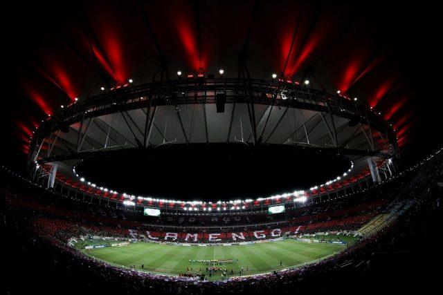 Pezão decide abrir nova licitação do Maracanã