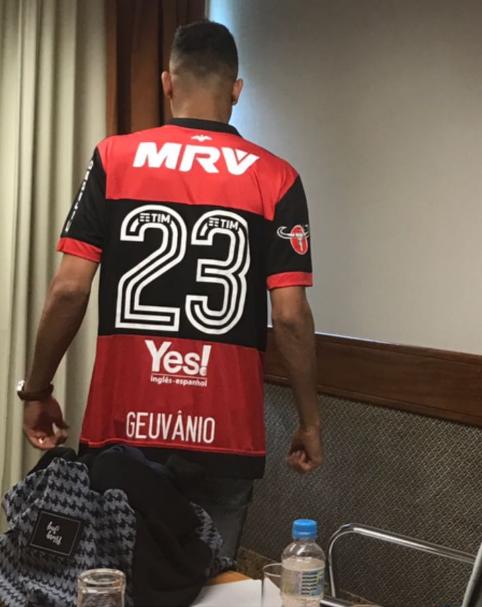 Flamengo anuncia contratação de Geuvânio — Fim da novela