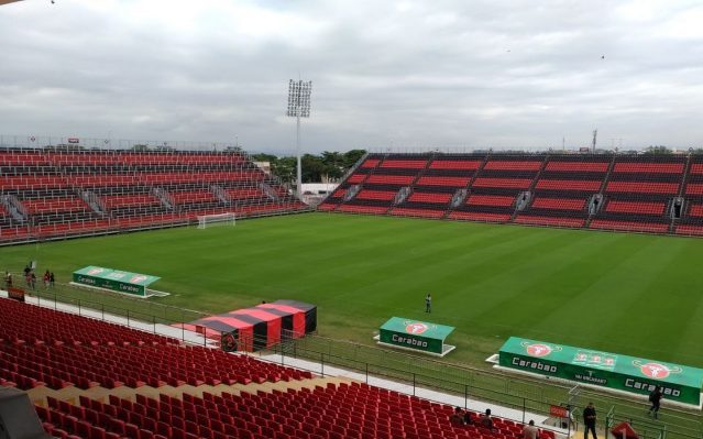 Flamengo bate Ponte Preta na estreia na renovada Ilha do Urubu