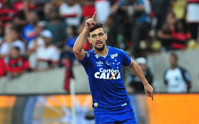 f9c6447237 O Flamengo formalizou uma oferta para ter Arrascaeta. Agora