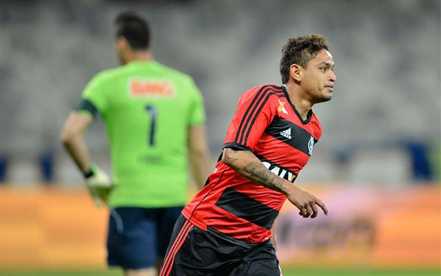 """Carlos Eduardo relembra """"gol do título"""" em 2013 e admite que não se cuidou  no Fla b4574992c99c4"""