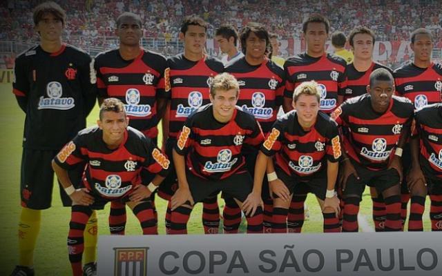 Favorito para assumir a trave do Flamengo no jogo de volta contra o Junior  Barranquilla na quinta-feira 7dfd69948afcf