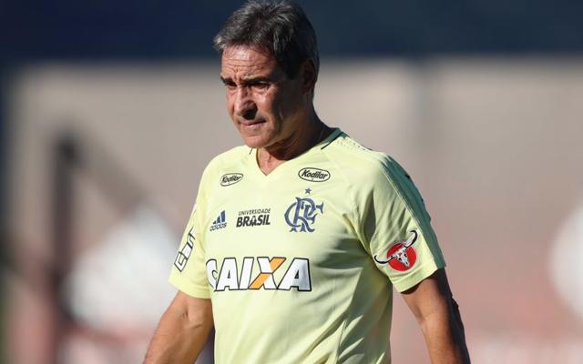 Carpegiani modifica jogadores de posição para o Fla não ficar previsível