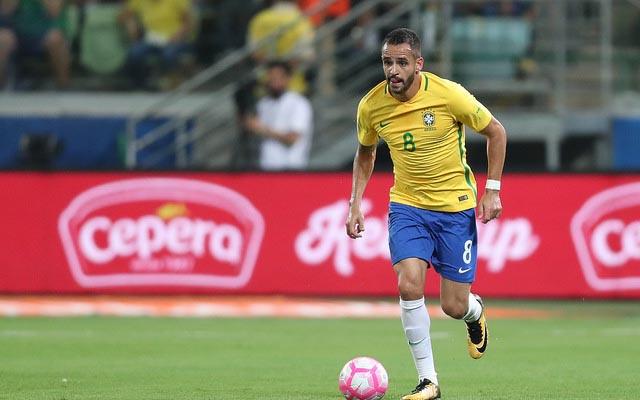 "Internauta sugere ""namoro"" do Flamengo com Renato Augusto, e Marcos Brasil dá resposta enigmática"
