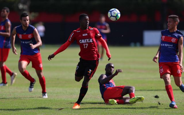 Caixa pede que Flamengo retire patrocínio do site oficial do clube ... 56c62e5ed604b