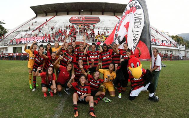 O Flamengo está muito próximo de confirmar sua classificação para a segunda  fase do Campeonato Brasileiro feminino de 2018. As Meninas da Gávea só  precisam ... 2803ae68a7d34
