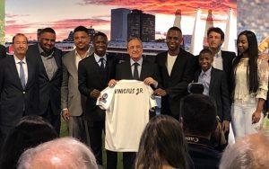 vinicius-junior-1-300x188 Vinicius Junior é apresentado oficialmente e confirma que fica no Real Madrid Esportes