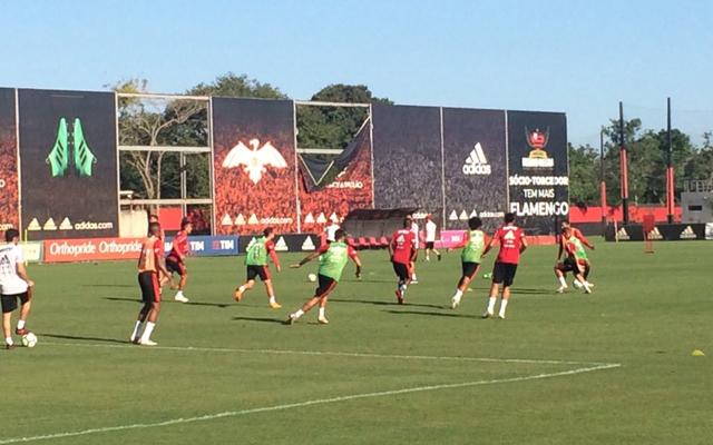 Dorival Júnior comanda treino tático e esboça time titular do Flamengo -  Coluna do Flamengo - Notícias 754b03fe8da02