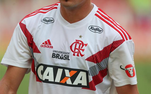 Veja imagens da nova camisa pré-jogo do Flamengo - Coluna do ... f0699cc914660