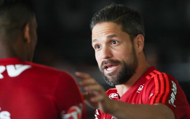 Ser� que ta feliz no Meng�o? Diego comenta chance de perman�ncia no Flamengo: �Tem mais alguns meses a�