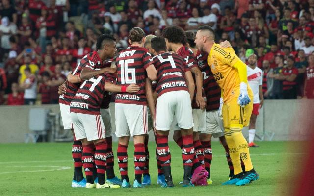 [COMENTE] Qual time tem capacidade de brigar de igual pra igual com o Flamengo no Brasileirão?