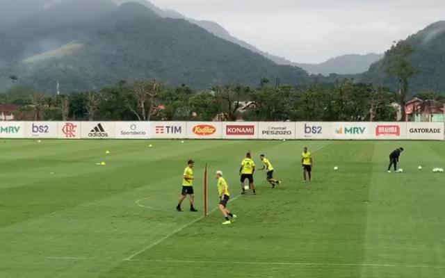 Flamengo volta aos treinos após goleada sobre o Avaí