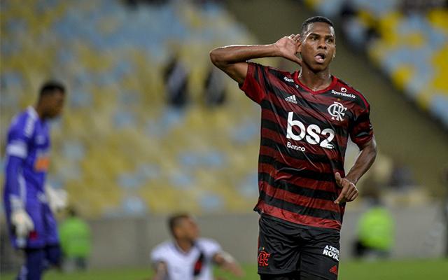 Flamengo projeta 'rodagem' para Lucas Silva e tenta empréstimo ao Fortaleza