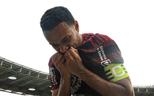 Capit�o do sub-20 na conquista do Brasileir�o em 2019, Luizinho se despede do Flamengo