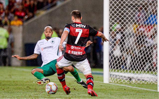 """Everton Ribeiro revela pedido de Mister aos jogadores: """"Jogada envolvente, de pé em pé"""""""
