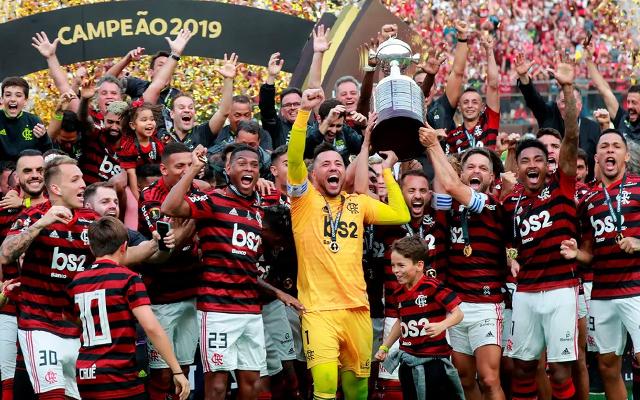 Ídolo do Corinthians vê Flamengo entre os favoritos na Libertadores: Está sobrando