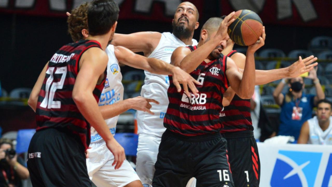 Fora o baile! Flamengo atropela o Atitude e estreia com vitória empolgante  no Carioca de basquete - Flamengo | Coluna do Fla