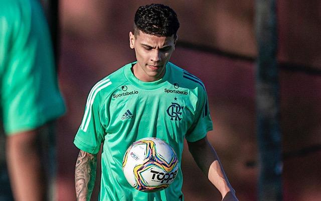 Capitão do sub-20 revela ajuda de Berrío para se firmar no Flamengo