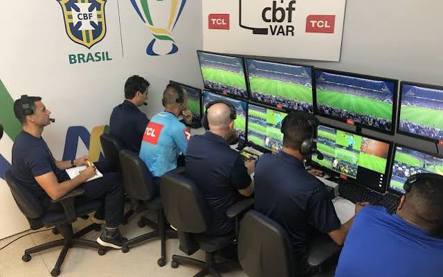 CBF confirma erro do VAR a favor do Atl�tico-MG, rival do Flamengo no Brasileir�o