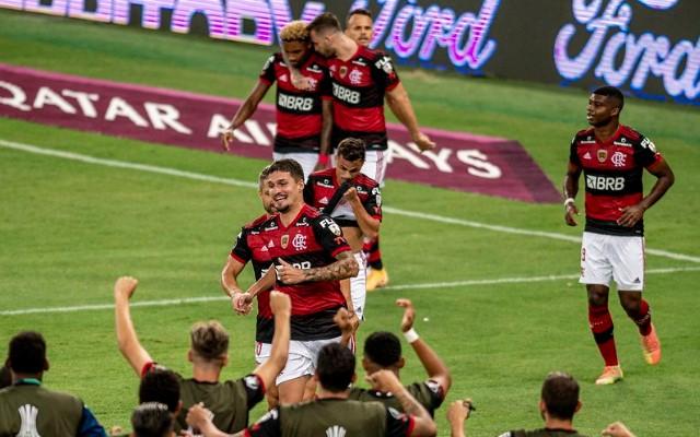 Flamengo fecha fase de grupos da Libertadores sem repetir time titular