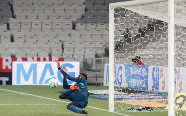 """""""Nunca vi surgir um goleiro com o potencial de Neneca"""", jornalista elogia goleiro do Flamengo"""