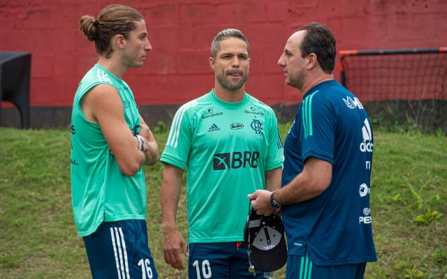 Diego Ribas retoma protagonismo nos bastidores junto a Rogério Ceni