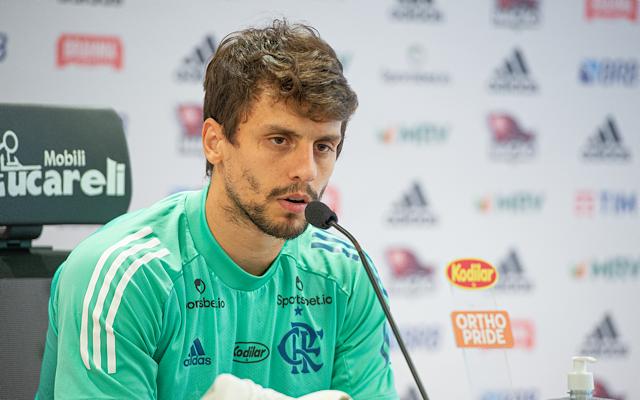 """Rodrigo Caio desconversa sobre briga com São Paulo pelo título, """"O objetivo principal é jogo a jogo"""""""
