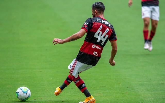 Isla destaca evolução do Flamengo após o retorno de Rodrigo Caio ao time titular