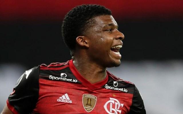 Clube japon�s aceita contraproposta, e Lincoln se aproxima de sa�da do Flamengo