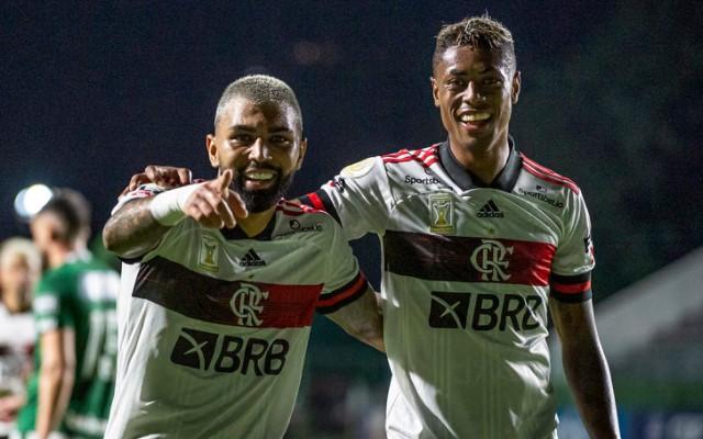 Com ataque mais positivo do Brasil, Flamengo mira topo da tabela no Brasileirão