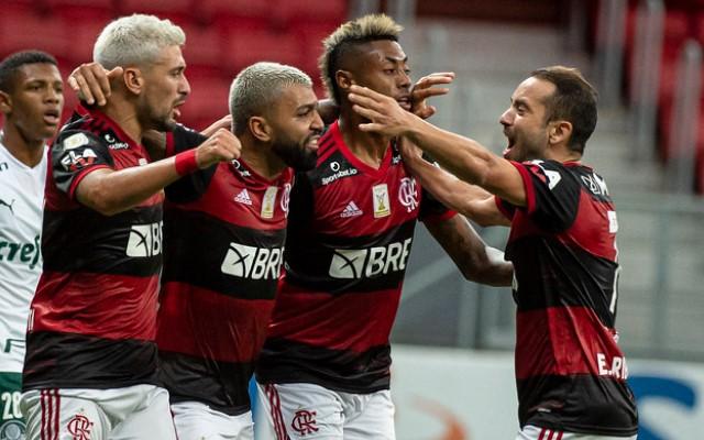 Flamengo deve ter até seis mudanças em relação à equipe que enfrentou o Athletico no primeiro turno