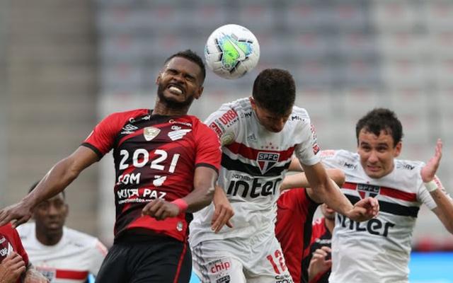 São Paulo tropeça, e Flamengo pode encurtar diferença no Brasileirão