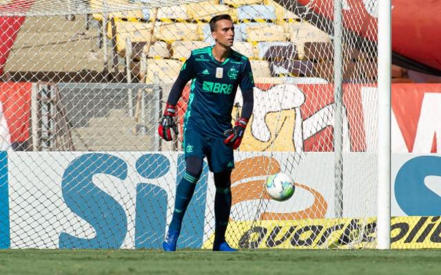 C�sar titular, Ar�o na zaga e dupla de volantes in�dita, Rog�rio Ceni prepara Flamengo diferente para duelo com Goi�s