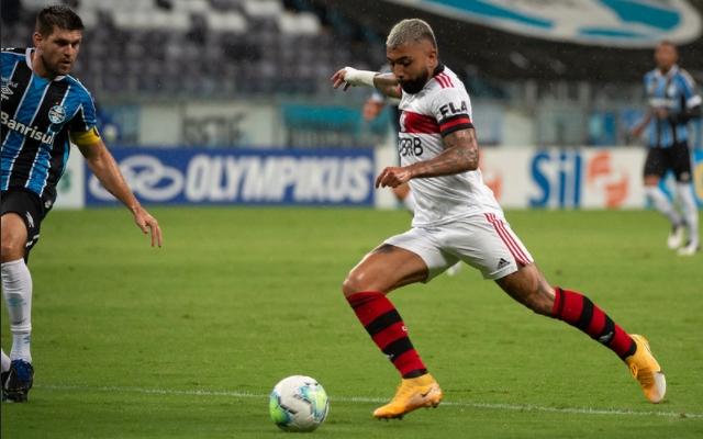 Em noite de gala, Gabigol conduz virada e coloca Flamengo na briga do titulo