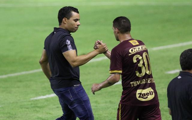 """""""O que o torcedor do Sport menos quer é ver seu time ajudando o Flamengo"""", ironiza Juca Kfouri"""