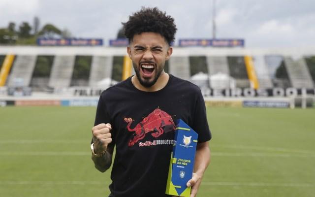Thiago Maia convida Claudinho, destaque do Brasileirão, para jogar no Flamengo