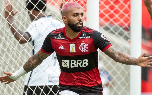 Mais maduro, Gabigol pode chegar ao fim do Brasileirão com apenas dois cartões amarelos