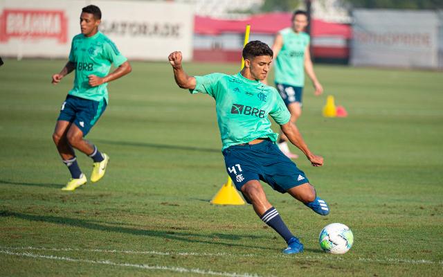 Meia-atacante, cria do Ninho, Igor Lemos assinará com o Cruzeiro