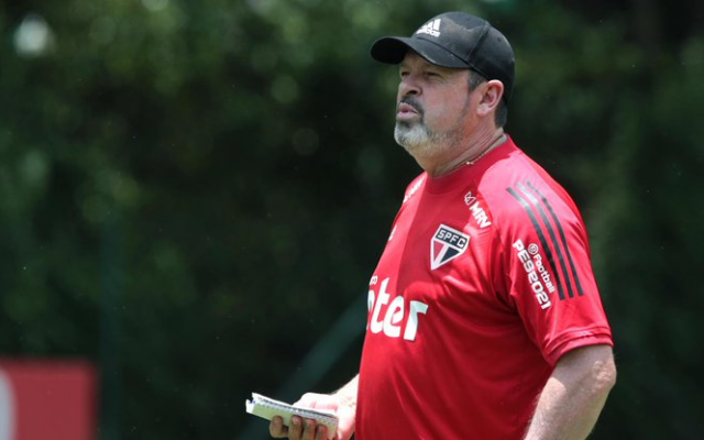S�o Paulo pode ter desfalque no ataque para decis�o contra o Flamengo
