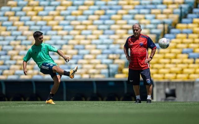 Maior ídolo da história do Flamengo, Zico lança curso digital de futebol