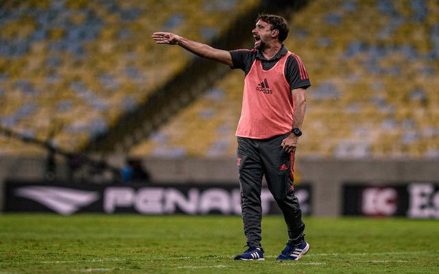 Maurício de Souza destaca mudanças no elenco do Flamengo em relação à estreia