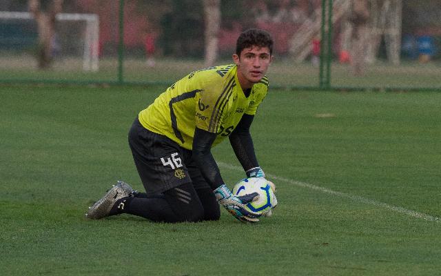 CSA contrata goleiro formado nas categorias de base do Fla para disputa da série B do Brasileirão